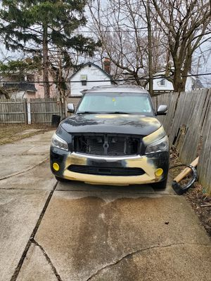 2011 QX56 parts for sale parts ONLY for Sale in Cleveland, OH