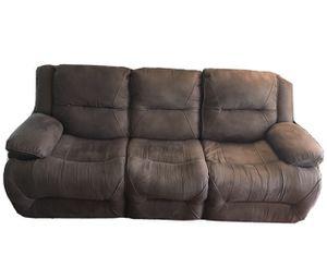 Gray power recliner sofa for Sale in Bridgeville, PA