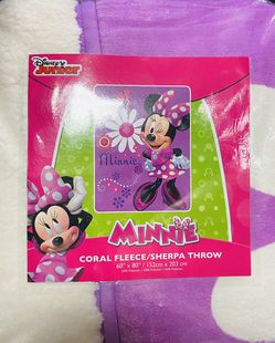 Disney Minnie Mouse Sherpa Borrego Blanket for Sale in Los Angeles,  CA