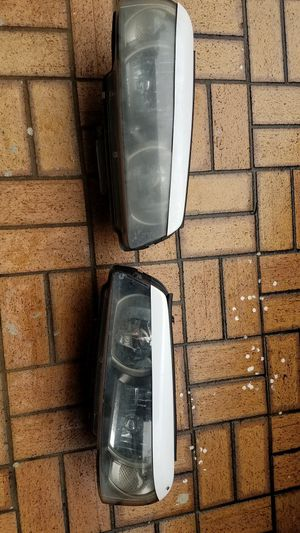 1 Pair NISSAN SKYLINE GTR 34 XENON HEADLIGHTS for Sale in Opa-locka, FL