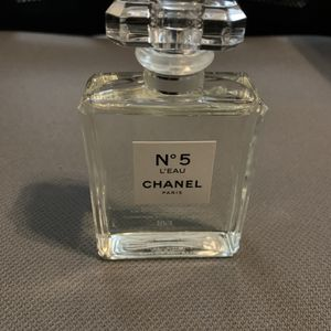 Chanel No 5 L' Eau Perfume! Brand new! for Sale in Kissimmee, FL
