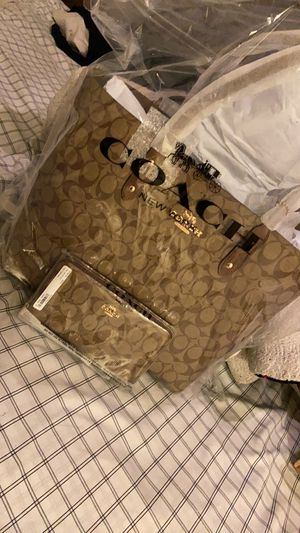 Coach tote with matching wallet❗️ for Sale in San Antonio, TX