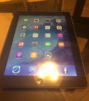 IPad 4th gen 32 gb like new comes with case and original box for Sale in Brownsville, TX
