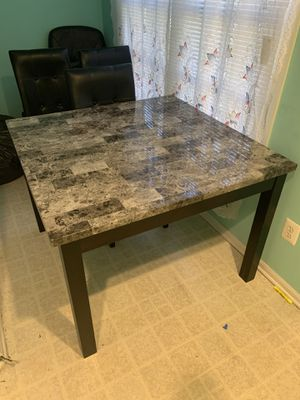Dining room table and chair for Sale in Silver Spring, MD