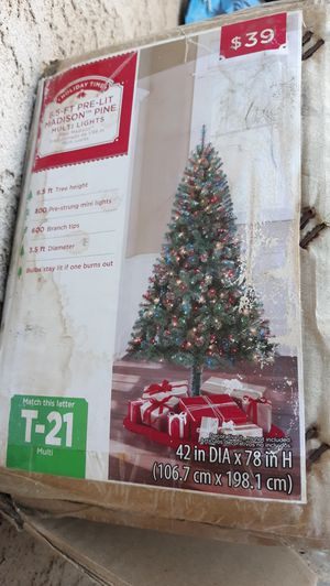 Free Christmas Tree for Sale in Moreno Valley, CA