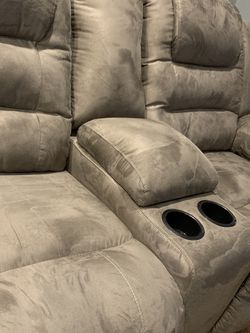 Ashley MaCade Reclining Sectional ↗️$39 Down Payment 100 Days Same As Cash for Sale in Austin,  TX
