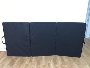 Nova Form foldable mat for Sale in San Francisco, CA