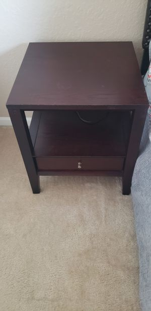 Night stand or side table. Espresso color, in great condition for Sale in Boynton Beach, FL