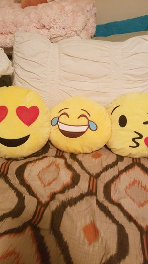 3 Emoji Plushies for Sale in Chicago, IL