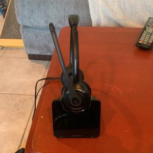Plantronics Wireless Headset for Sale in Fallbrook, CA