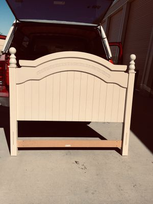 QUEEN BED FRAME: for Sale in El Paso, TX