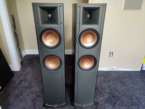 Klipsch RF82 tower front speakers like new surround sound for Sale in Riverview, FL