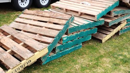 15 Pallets Free Take Them All for Sale in Arlington,  WA
