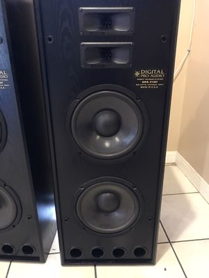 DIGITAL PRO AUDIO SPEAKERS for Sale in Los Angeles, CA