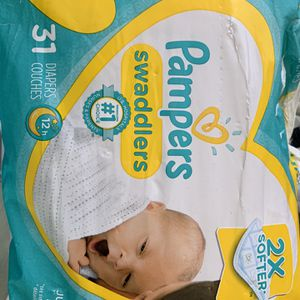 28 Pampers Swaddles Newborn Diapers $5 for Sale in Los Angeles, CA