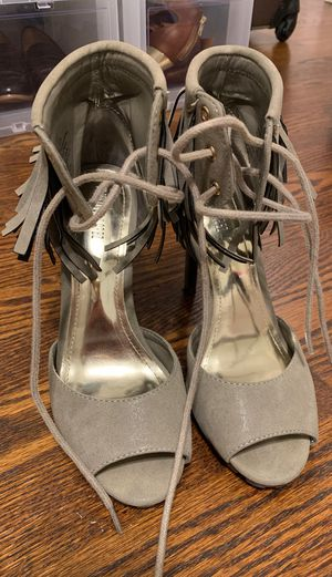 JLo Never Worn Grey/Green Lace Up Heels SZ 7 for Sale in St. Louis, MO