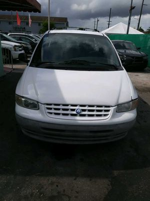 1997 Plymouth Voyager mini van 3rd row seating for Sale in Hialeah, FL