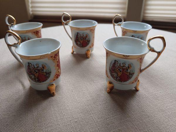 Melting chocolate tea cups