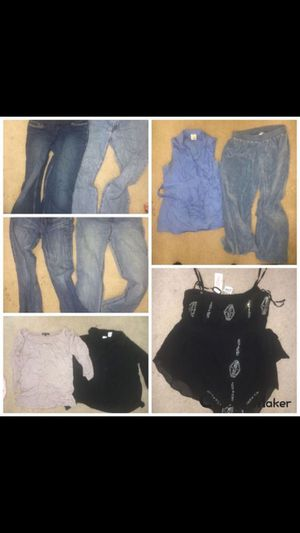 Maternity clothes lot of 9 items - pants, shirts, etc. for Sale in Renton, WA