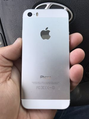 Like New Factory Unlocked iPhone 5S 16GB Silver for Sale in Portland, OR