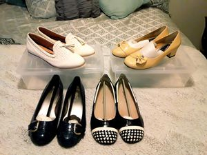 Never worn 4 pair womens dress shoes for Sale in Universal City, TX
