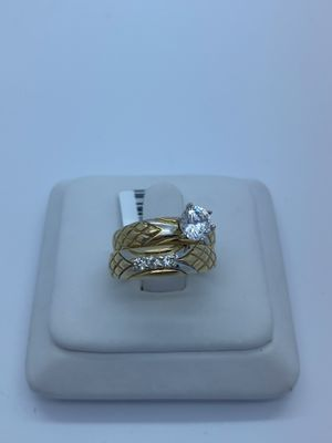 Women's wedding rings 10kt for Sale in Tampa, FL