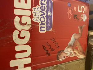 Huggies little movers size 5 for Sale in Santa Monica, CA