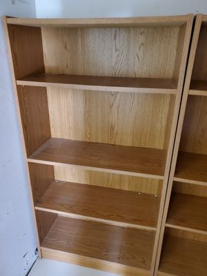 2 small bookshelves approx 4ft tall for Sale in Miami, FL