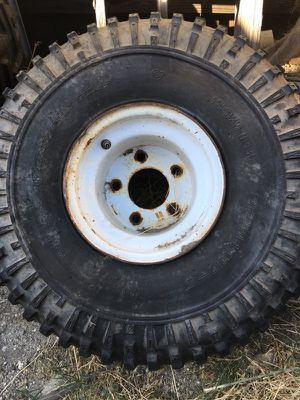Tire 22 x 11.00 x 8 for Sale in Fontana, CA