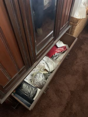 Antique armoire. Beautiful condition. for Sale in San Jose, CA