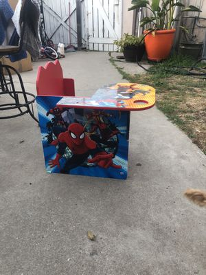 Kids desk chair for Sale in Inglewood, CA