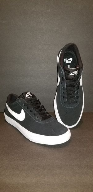 New NIKE SB Zoom Air Shoe 7.5 for Sale in Charlotte, NC
