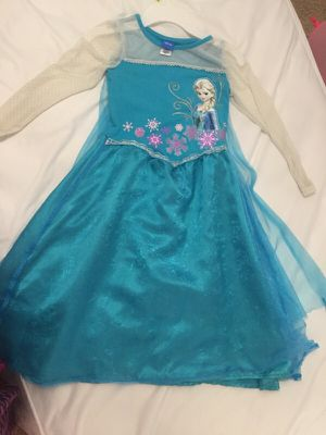 Elsa dress with attached cape size M (6-7) for Sale in Raleigh, NC