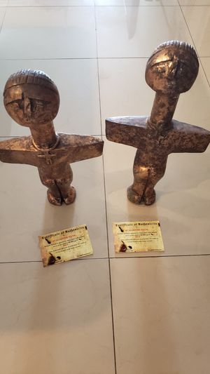 Two troy movie statues with coas movie props for Sale in Aventura, FL