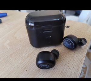 Bluetooth wireless earbuds for Sale in Queens, NY