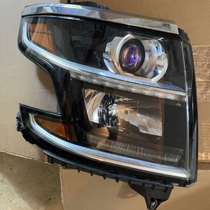 2015 - 2019 Chevrolet Suburban Tahoe passenger side headlight for Sale in Leesburg, VA