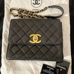 Vintage Lambskin Chanel Jumbo Flap Bag for Sale in Las Vegas, NV
