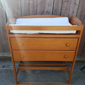Baby changing table with drawer for Sale in East Compton, CA