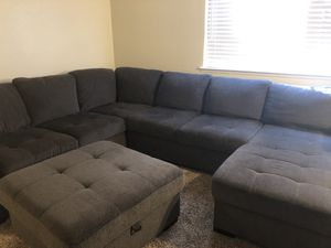 3-piece sectional couch/sofa for Sale in Fresno, CA
