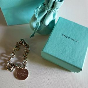 Tiffany's Return To TIFFANY'S Bracelet Authentic for Sale in Fort Lauderdale, FL