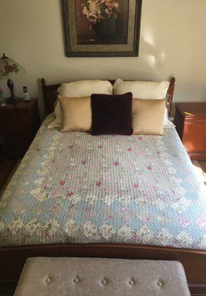 Bed, Dresser, End Table Set for Sale in Ashburn, VA