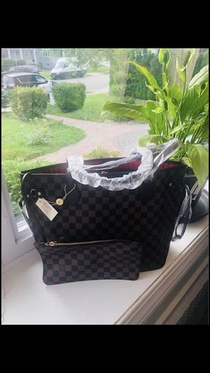 NEW WOMAN'S CHECKERED TOTE BAG for Sale in Sebring, FL