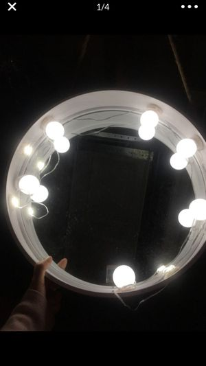 Round vanity mirror with removable lights some are missing take as is price is firm for Sale in Long Beach, CA