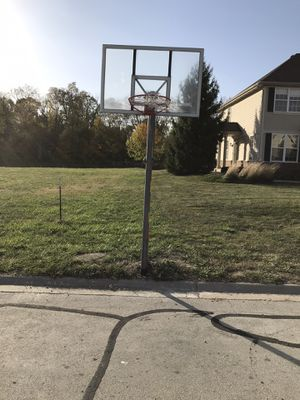 Spaulding basketball pole and hoop for Sale in Channahon, IL