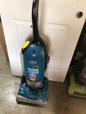 Eureka upright vacuum for Sale in Orlando, FL
