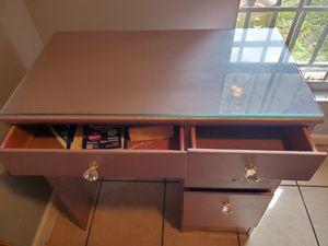Desk for Sale in Kenner, LA