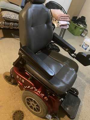 Electric wheel chair $1600 for Sale in Anchorage, AK