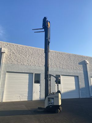 Crown electric forklift for Sale in Phoenix, AZ