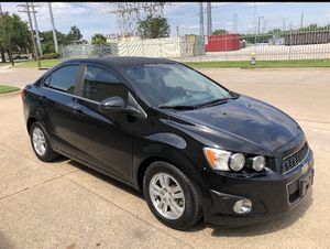 2012 Chevy sonic for Sale in Dallas, TX
