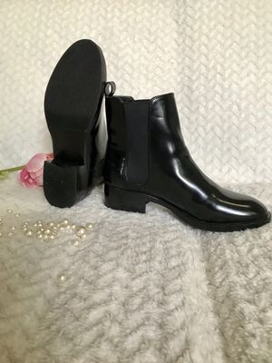 Zara basic black ankle women's boot Size 37 for Sale in Miami, FL